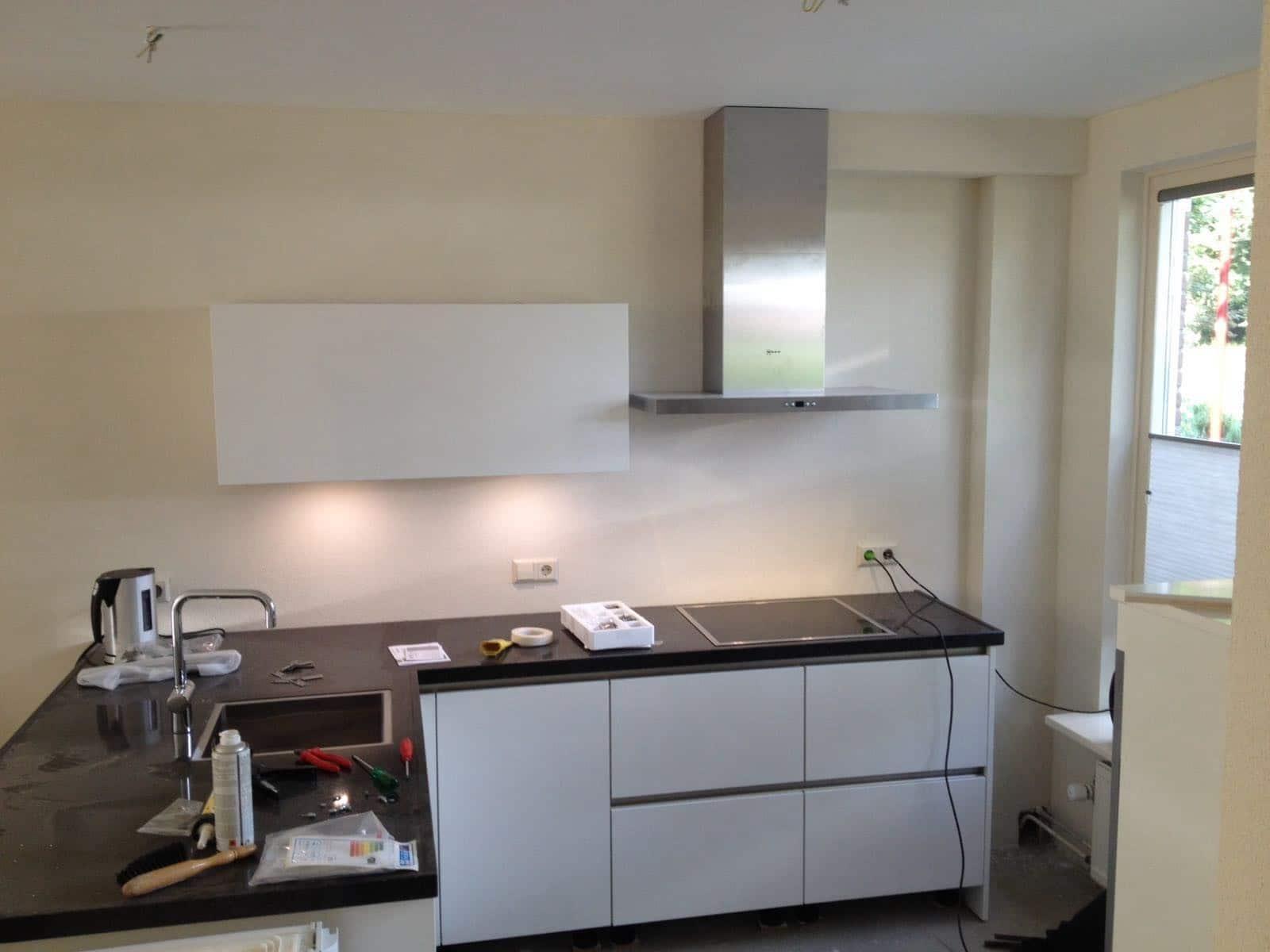 Eerste keuken na de zomervakantie opgeleverd keukenstudio beelen - Werkblad silestone ...